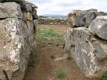 Entrance to tholos tomb E at Koumasa