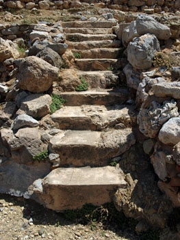 Zakros: steps in the Minoan town